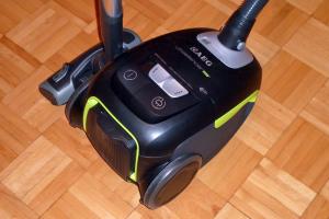 Der sparsame und leise AEG-Staubsauger Ultra Silencer Öko AUSG 3901