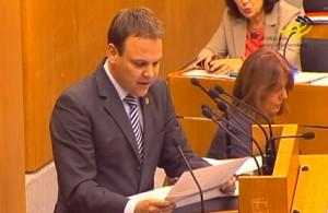 Jedes Auto der baden-württembergischen Landesregierung musste Staatssekretär Ingo Rust auf Anfrage der CDU vorlesen. Foto: Standbild aus Video
