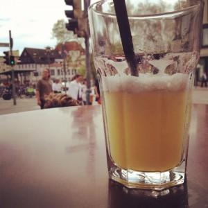 Gibt's im Sommer beim Barista um die Ecke: einen Smoothie - auf Wunsch auch im Mehrweg-Glas.