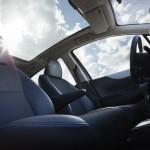 Mehr Licht im Innenraum mit dem aufpreispflichtigen Panorama-Dach. Foto: Toyota