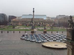 300 Elekotro-Smart rollen seit Ende November über die Straßen von Stuttgart. Fahren kann sie jeder, der eine Car2Go-Karte hat und 0,29 Euro pro Minute bezahlt. Foto: Benny Hechler / CC BY SA