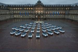 Start von Car2Go in Stuttgart vor dem Neuen Schloss